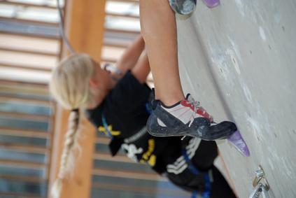 Klettergurt Unterschied Damen Herren : Kletterschuhe und boulderschuhe erklärung des aufbaus der